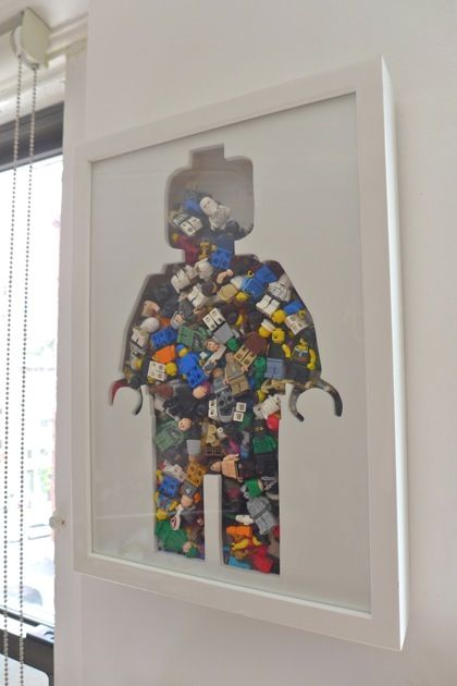 LEGO - Wonderful shadow box cut-out filled with minifigures