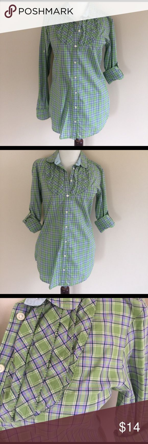 LN Gap printed spring blouse green purple 6 tall These like new Gap plaid printed blouse is a hard-to-find size 6 tall. Looks great with shorts, jeans, pants or a skirt. Fresh from the dry cleaner. Nice and crisp. Sleeves can be worn buttoned up (see photo) or down. Long and lean. Pet-free, smoke-free home. GAP Tops Blouses