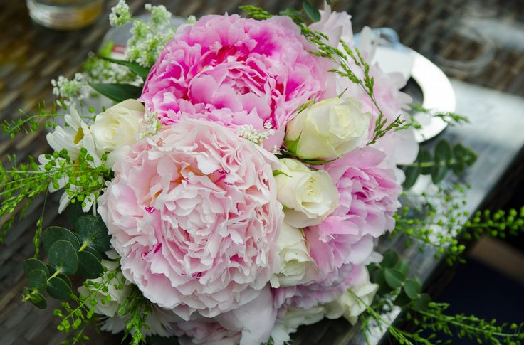 Beautiful pink and white bridal bouquet.