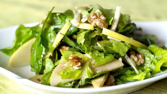 Salade de pommes, pois chiches et noix, vinaigrette sans gras à l'érable, recette à 175 calories