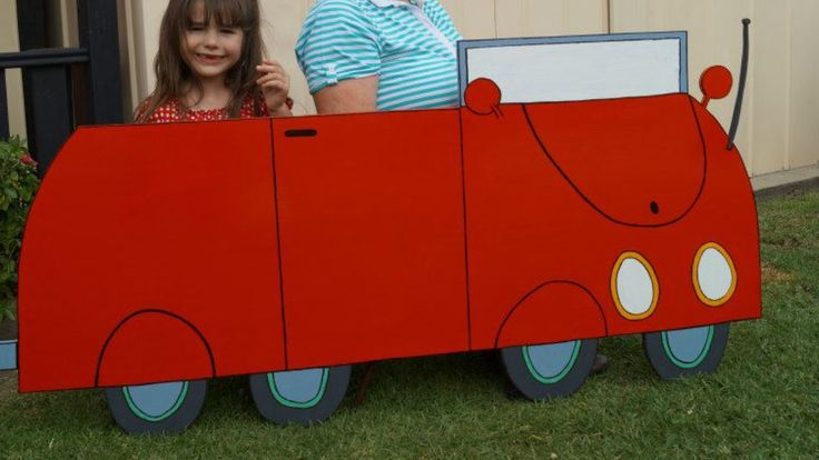 Peppa Pig Family Car - great photo prop and made thanks to my awesome DIY hubby