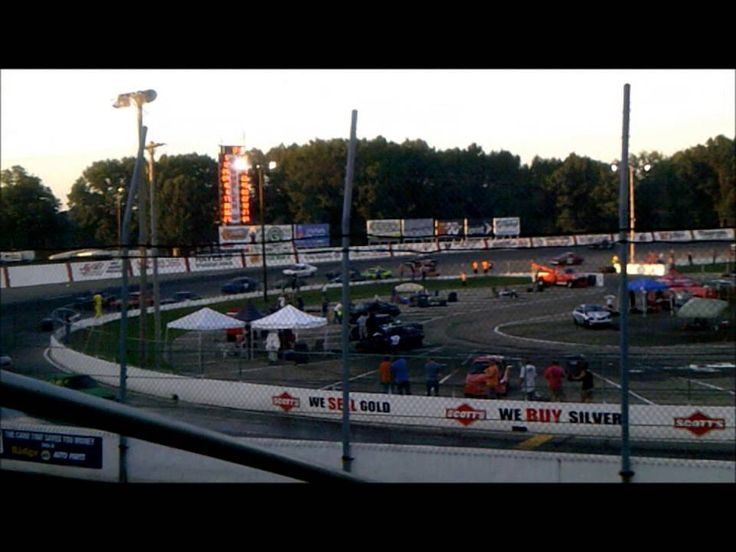 Matt Williamson (3rr) Makes Debut at Kalamazoo Speedway 8/31/14