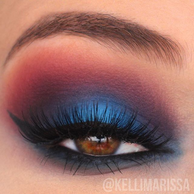 FINALLY posted this eye makeup tutorial on YouTube ❤️ And it's perfect for going out on the 4th of July! I used my @katvondbeauty Shade and Light eye palette and my @karity matte palette for the shadows - you can see a list of all the products I used in the video! Link in my bio ❤️ Let me know what you think of it!!