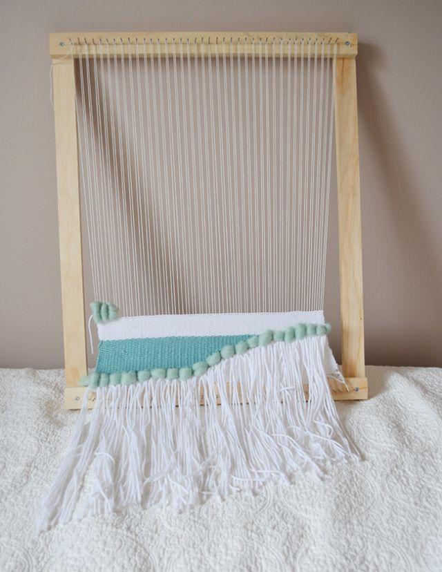 DIY Weaving Loom (emilyfranceschini)