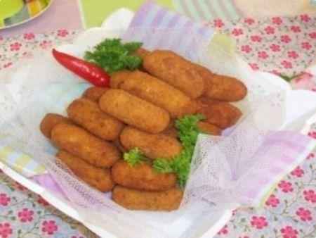 Image  Croquetes de frango e gelatina