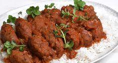 Νηστίσιμα σουτζουκάκια από τον Άκη Πετρετζίκη. Φτιάξτε υπέροχα χορτοφαγικά κοκκινιστά σουτζουκάκια από ρεβίθια με πολλά αρωματικά! Συνοδεύστε με ρύζι μπασμάτι!