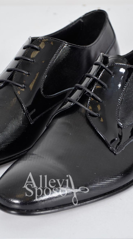 SCARPE SPOSO LOMBARDIA Scarpe da sposo, scarpe da cerimonia ...perche' gli accessori fanno la differenza... scarpe da matrimonio rosse scarpe da sposo rosso ferrari Scarpa cerimonia Scarpa da uomo cerimonia Allevi sposo gentemoda.it