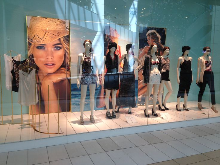 Summer H&M Chile Window