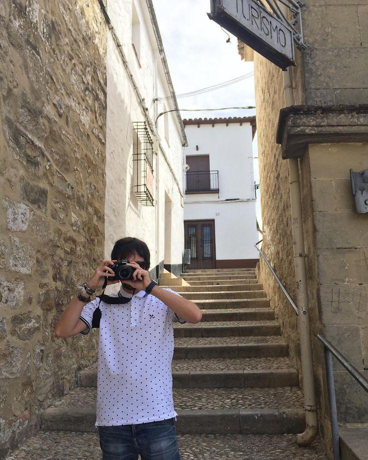Mi compañero de viaje mi fotógrafo mi conductor mi buscador de restaurantes mi confesor mi psicólogo mi asesor de imagen mi todo. Aunque no hiciera todas estas cosas.  . . . . . . . #nofilter#igers#igersoftheday #happy #nikon#nikonphotography #ighusband #husband #boy #boyfriend #october#sunday #sundayfunday #travel #him #potd #love#polkadots #camera#love