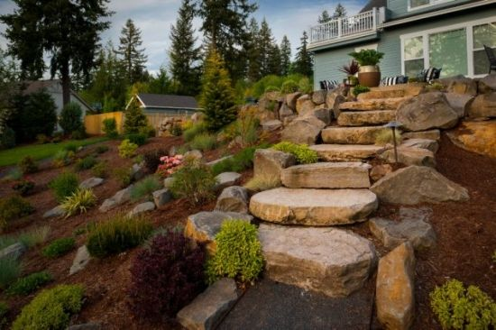 Trepte din blocuri de piatra