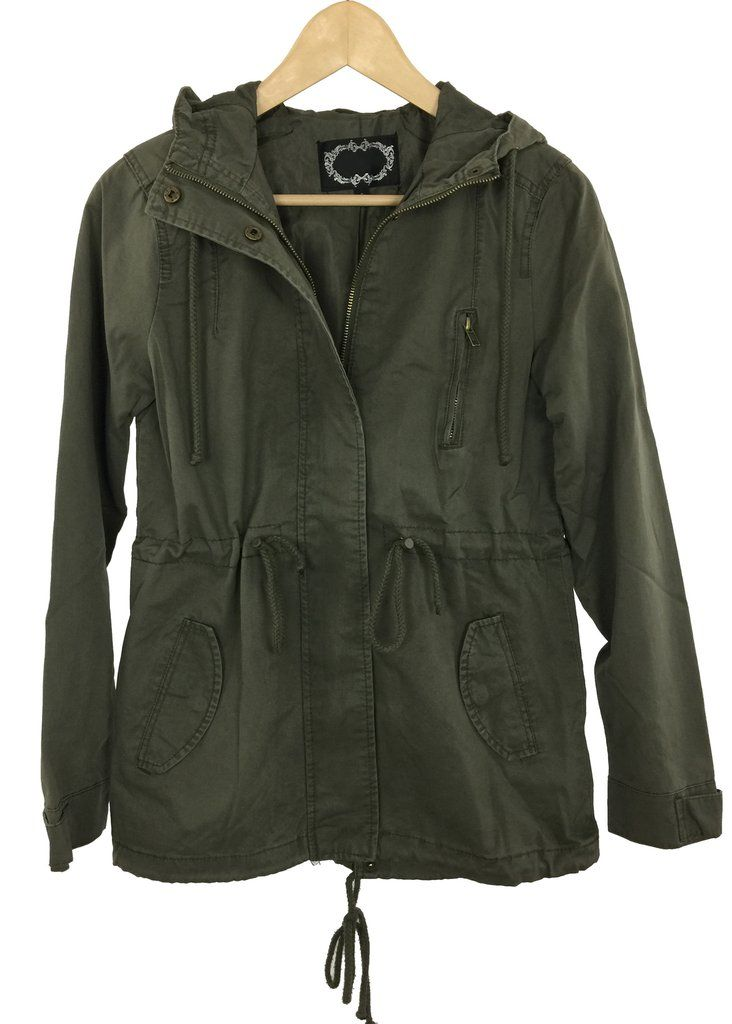 - 100% Cotton twill - Women's hooded zip up jacket - Cargo pockets - Drawstring at waist - Imported