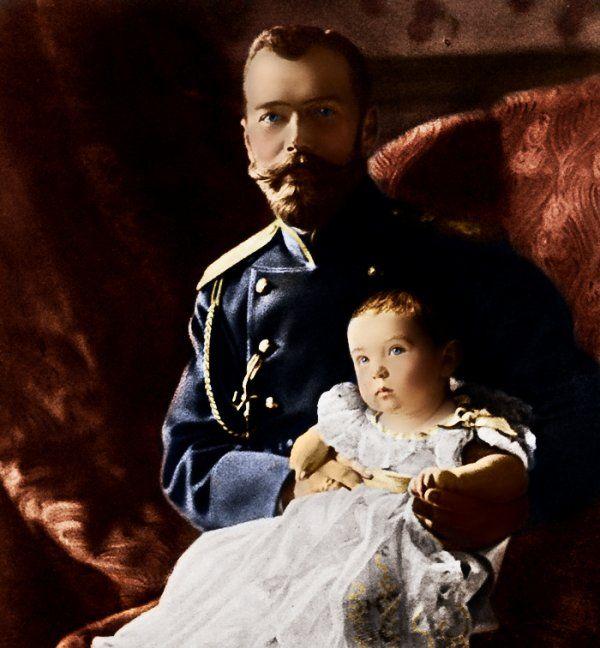 Le Tsar Nicolas II et le Tsarévitch Alexeï en 1904.