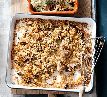 Geroosterde champignons met knoflookkruim en rucolastamppot - Recept - Jumbo Supermarkten