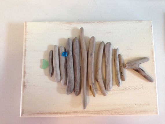 Driftwood de pescado sobre lienzo hechos a mano con los labios de cristal de mar y ojo, arte costero, playa Decor, pescador, Seaglass