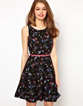 A Wear Bird Print Dress With Belt