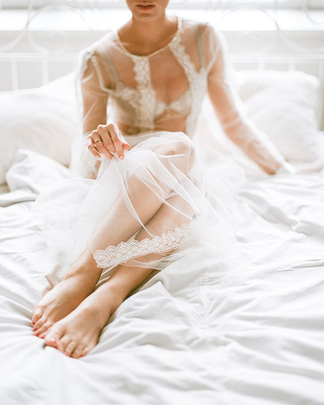 bride, boudoir, photography, poses, fineart, утро невесты, morning, lace, lightness, film