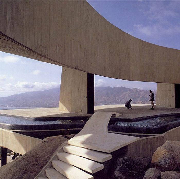 Les plus beaux escaliers sur Instagram / Arango-Marbrisa House, John Lautner, Acapulco, Mexique