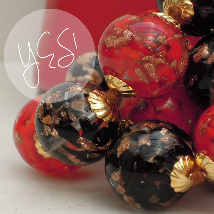 """Say """"yes"""" and be elegant wearing Murano Glass Necklace"""