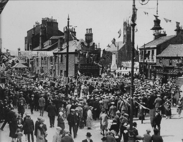 The Gushet (west end of Rutherglen Main Street) during Octo-Centenary