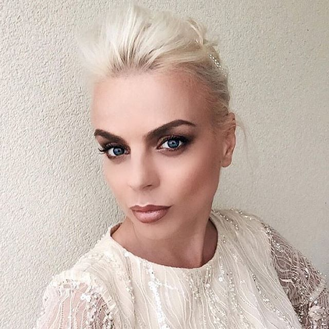 Make-up for my lovely @catalinagrama_gramaldy #VivaParty2016 #makeupartist #makeupbyme #makeupaddict #maccosmetics #anastasiabeverlyhills #makeupforever #dior