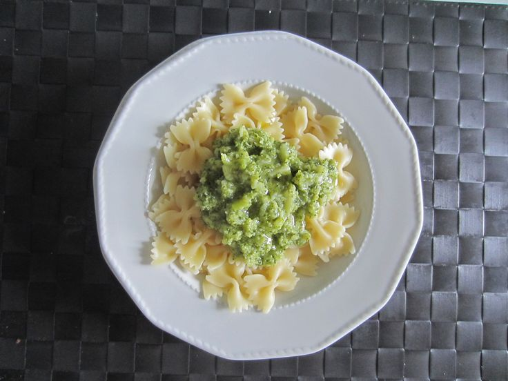 Pasta with Broccoli www.easyitaliancuisine.com