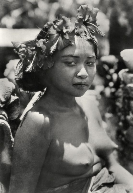 E.O. Hoppé | Girl with Wreath Offering (Kembang Spatoe) in Hair, Bali, 1930