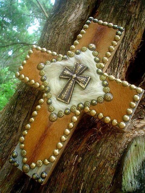 cowhide leather cross: Praying Cowboys, Barns Woods, Decor Barns, Woods Crosses, Barns Boards, Cowhide Westerns, Westerns Decor, Cowboys Decor, Cowboys Cowhide