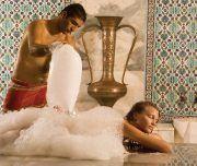 Genießen Sie das türkische Bad Hamam in alanya in einer authentischen Atmosphähre. Ganzkörperpeeling , Schaum masage und Ganzkörper Ölmasage. 2 Stunden Behandlung alanya Wellness-Programm. Entspannung und das Gefühl neu geboren zu sein. Alanya Hamam Türkisches Bad ist wohltuend und entspannend.