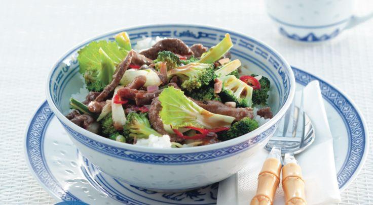 We hebben weer een lekker Chinees recept voor je: rijst, biefstukreepjes en paksoi. Succes gegarandeerd! http://www.vriendin.nl/koken/recepten/7572/recept-voor-chinese-biefstuk-met-broccoli-paksoi-en-oestersaus