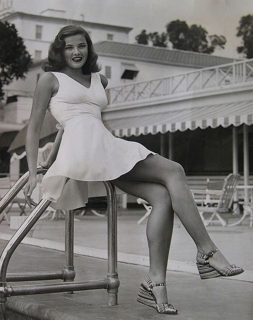 Gene Tierney - c.1943 She looks so much like my grandmother!