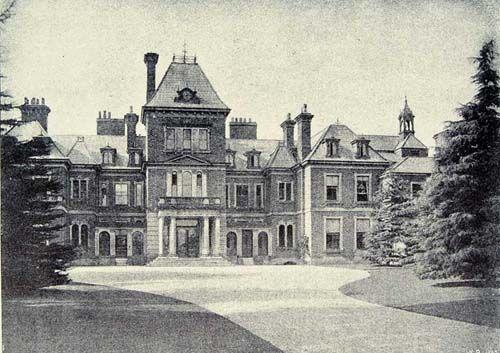 Apley Castle, Wellington, Shropshire - demolished in 1955, reason unknown.