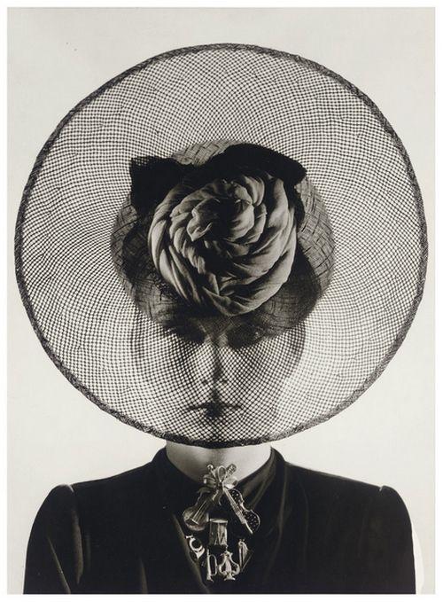 Hat and Jewelry (Schiaparelli), 1938 (Erwin Blumenfeld) via steroge