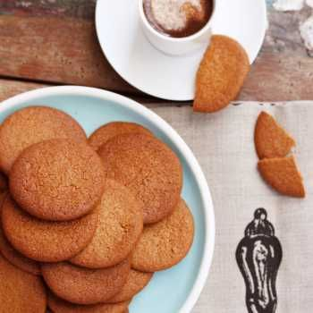 Seriously the BEST home made gingernut biscuits ever. Not kidding. Make them. Now.