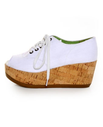 Need these!: Guest White, Lace Up Wedges Interesting, Summer Shoes, Blowfish Guest, Street Denim, Peep Toe Wedges, Denim Peeps, Peeps Toe Wedges, Toe Lace Up