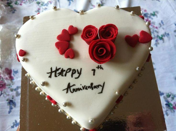 Anniversary mini heart cake