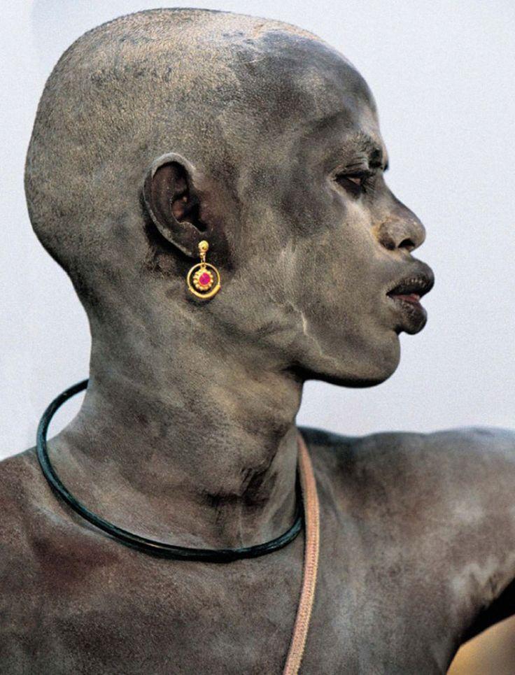 Tengase Presente: Las sorprendentes fotografías que muestran la vida cotidiana de los dinka, la gente de Sudán del Sur.