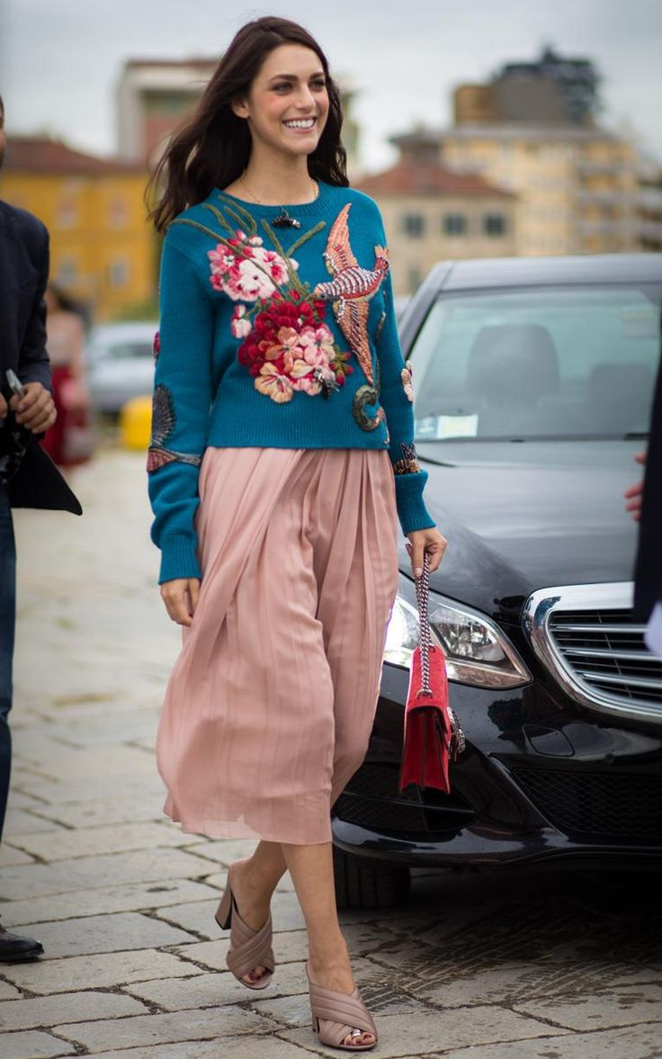 Miriam Leone in Gucci Fall 2015 embroidered jumpers looked chic against pleated skirts #MFW #SS16