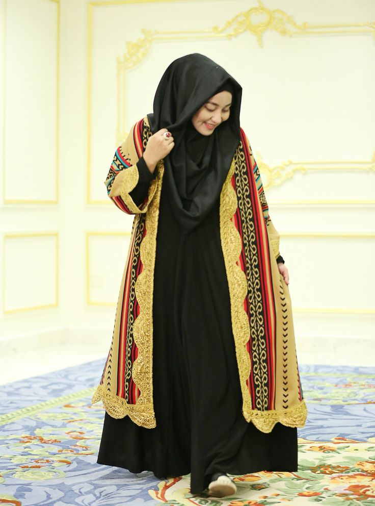 I am in love with this Abaya by @anniesahasibuandaily ❤️❤️❤️