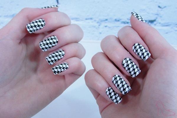 Adesivo para unhas, pied de poule, nail sticker, nails http://www.dicasdemulher.com.br/como-aplicar-adesivos-para-unhas/