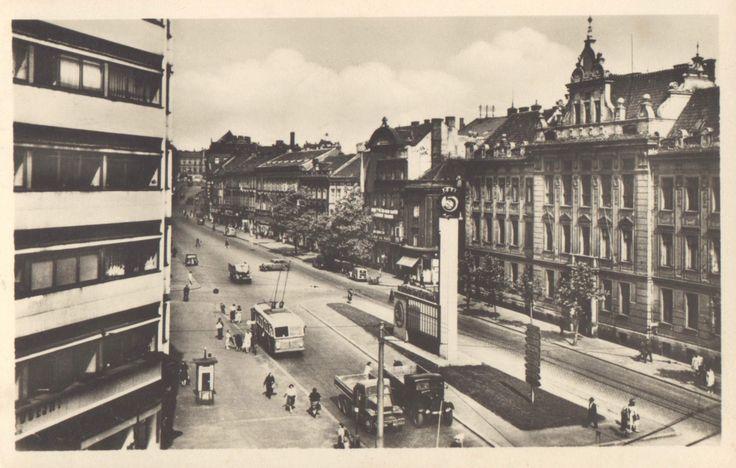 Plzeň, Škoda reklama u Mrakodrapu, okolo roku 1950.
