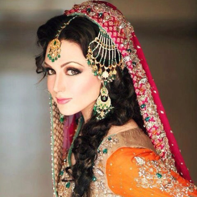 ... Punjabi wedding dress on Pinterest Indian weddings, Brides and Henna