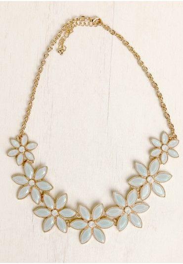 Victorian Garden Necklace | Modern Vintage Jewelry | Modern Vintage Accessories | Ruche