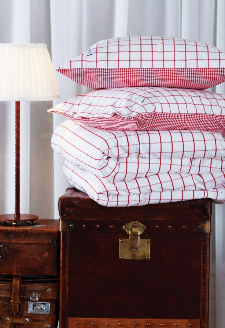 Big Square Red Bedding - Percale 100% Cotton. 200 TC. By Newport Collection