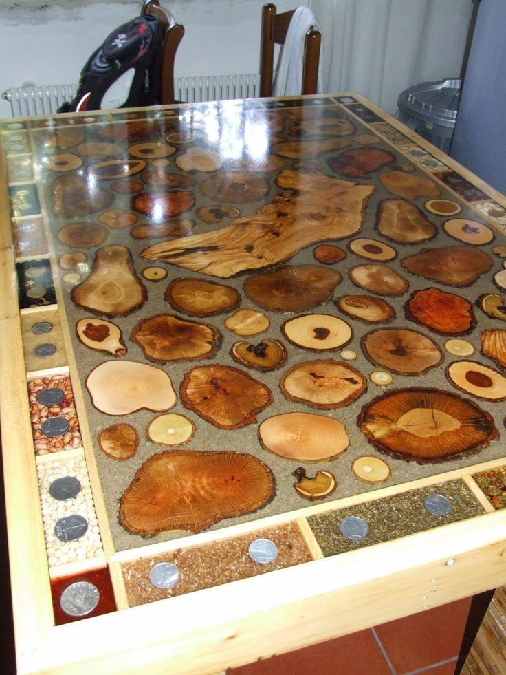 """Tavolo """"natura"""". Legno quercia, pero, sambuco, acacia, ingredienti da cucina dolci e salati e collezione di monete d'Italia e molta fantasia hanno dato origine al tavolo da cucina """"natura e non solo"""" misure 80x120cm"""