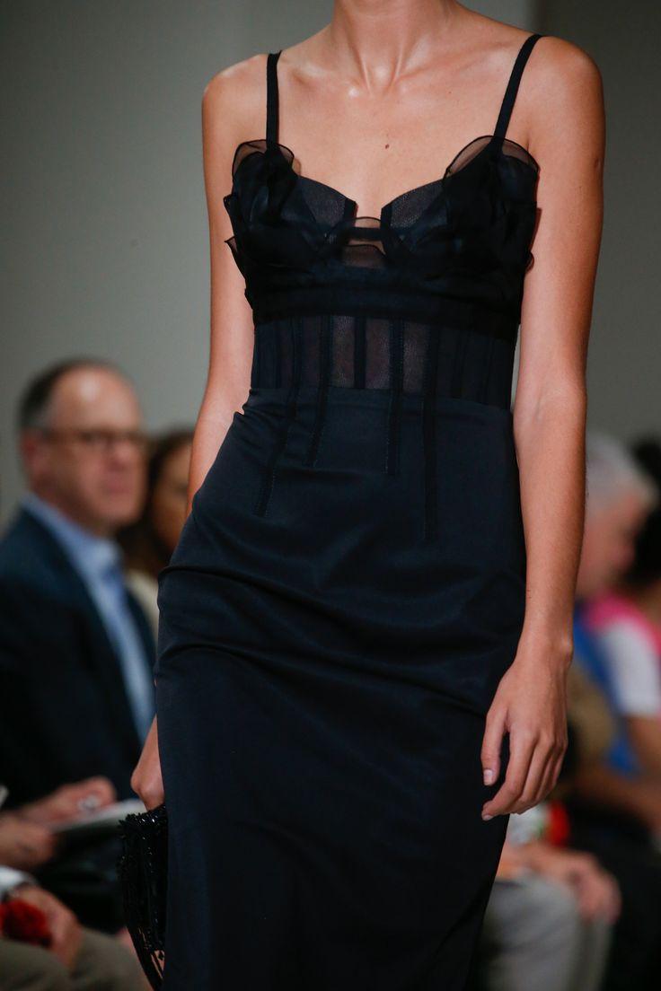 Oscar de la Renta Spring 2016 Ready-to-Wear Fashion Show - Vanessa Moody