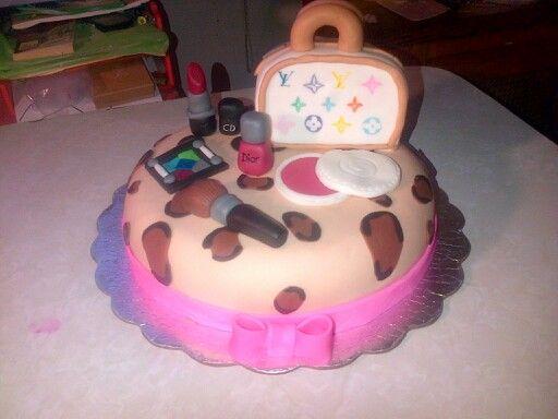 Torta animal print con maquillaje y cartera luis vuiton
