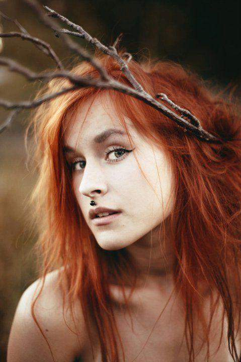 red head  twig  model