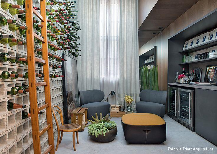 Lindo ambiente da Triart Arquitetura para inspirar quem deseja montar um cantinho de degustação de vinhos