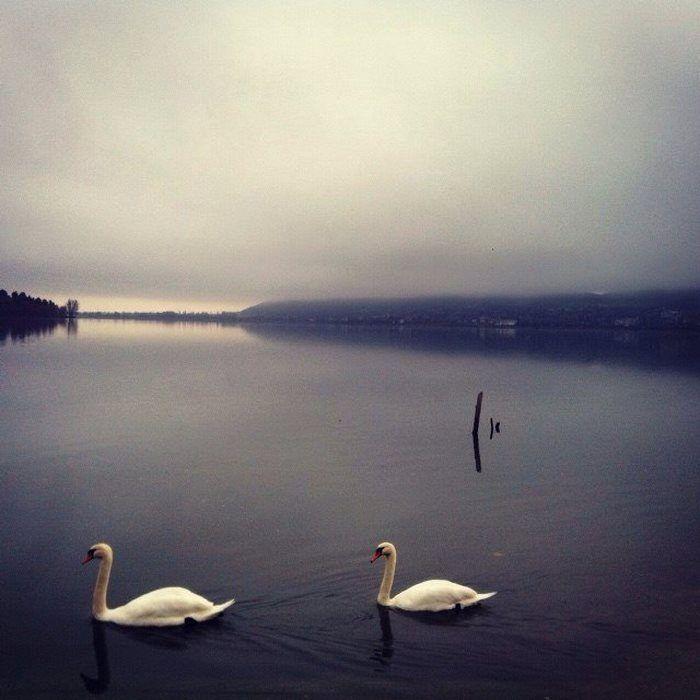 Η λίμνη της Καστοριάς  KASTORIA LAKE, MACEDONIA - GREECE