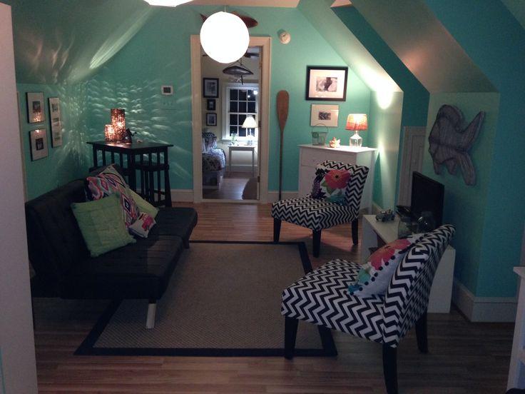 Small Dorm Room Hangouts